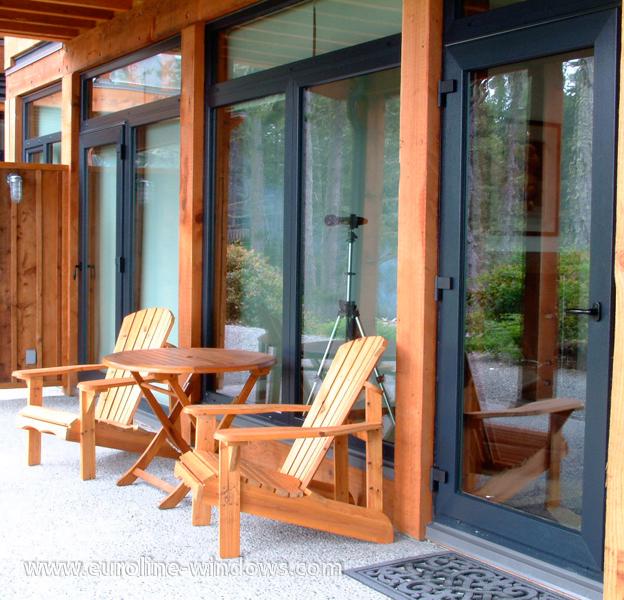 Single Patio Door : Series single patio doors euroline windows inc